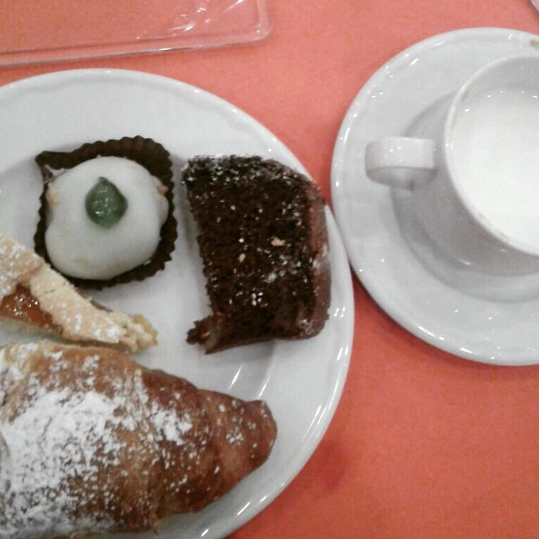 Quel posto chiamato 'colazione in hotel'.