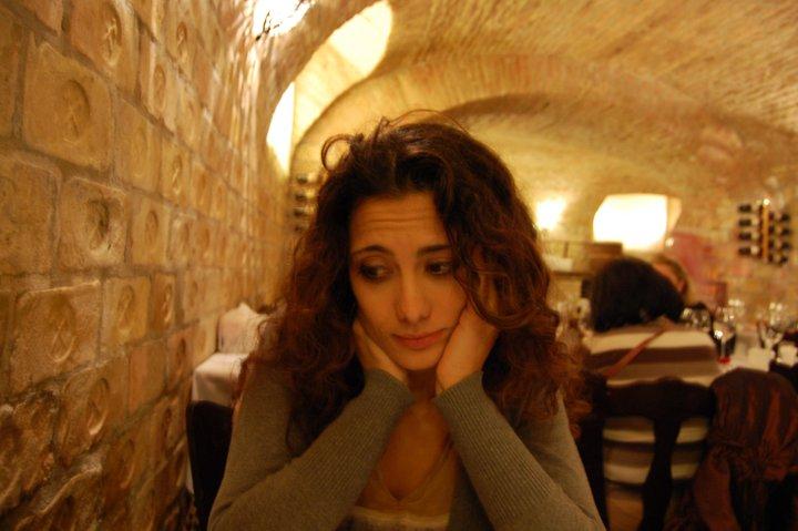 Come mangiare da sole senza sentirsi 'strane' o sfigate