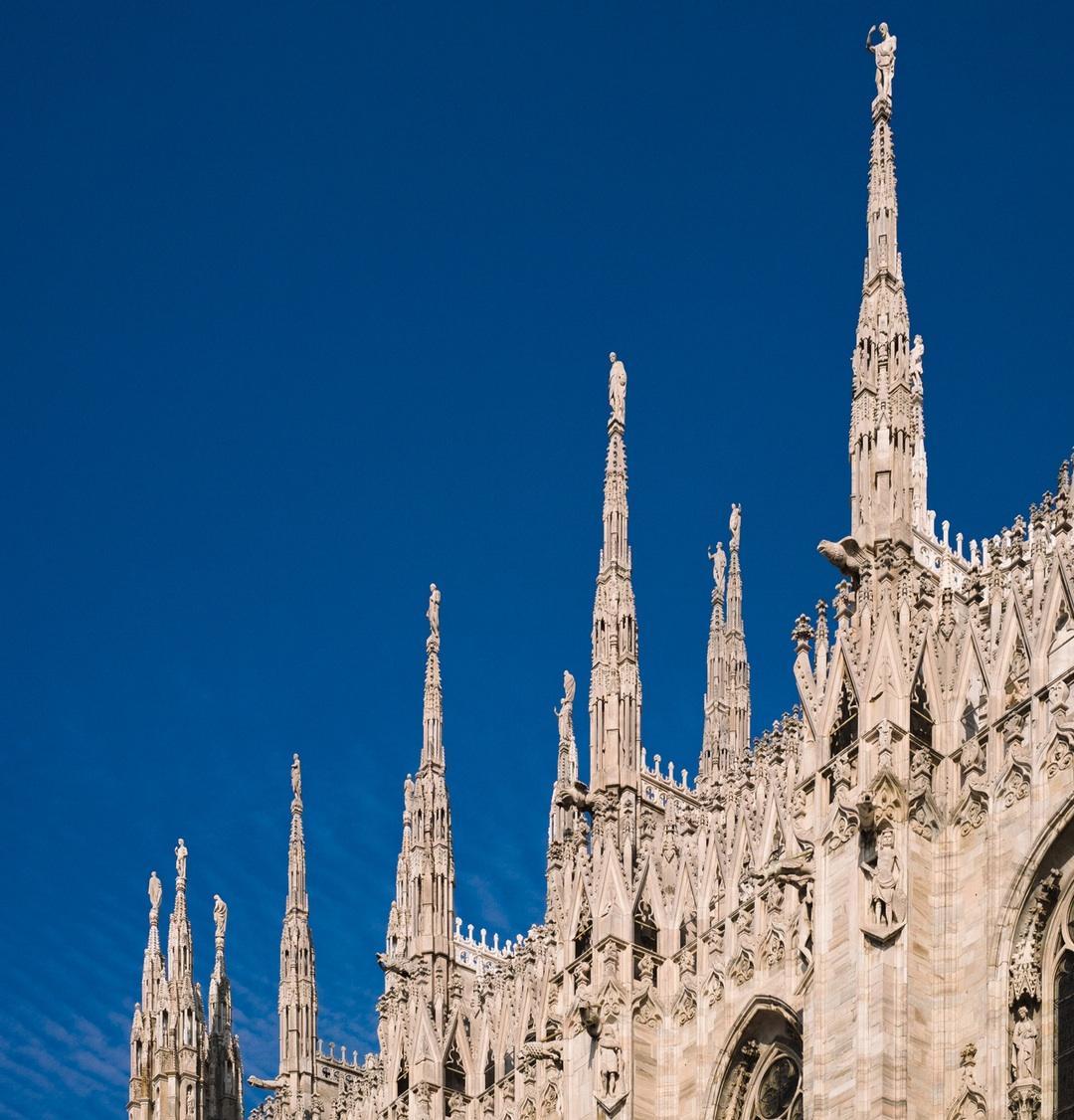 Do it like a local a#Milano, bella e antisclero