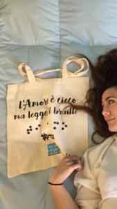 Shopper l'Amore è cieco ma legge il braille