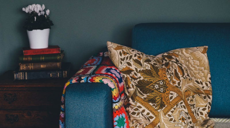 how to learn a language from your sofa