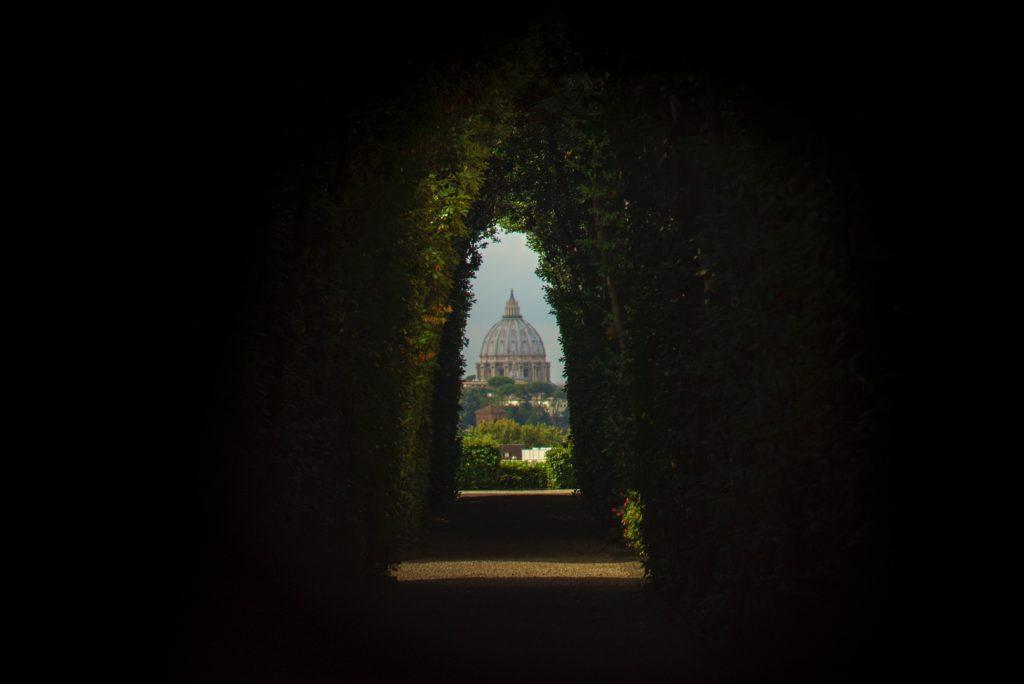 Viaggio a roma_Villa del Priorato di Malta_galen-crout-145047-unsplash