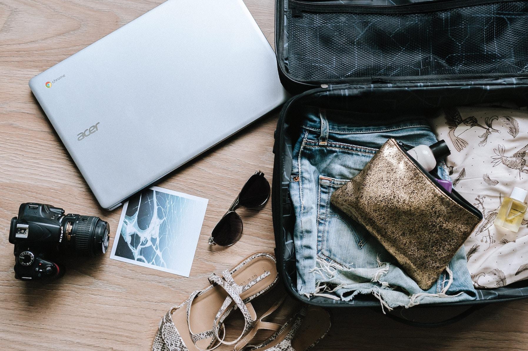 Lavorare in viaggio: quando diventa un'abitudine tossica