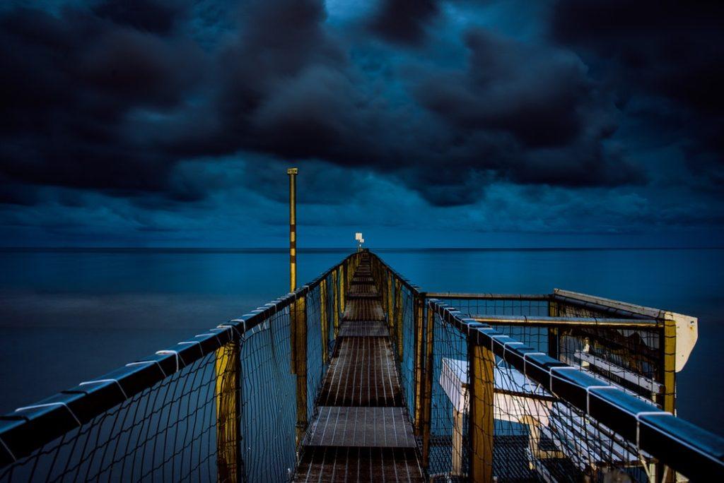 Molo Rimini di notte