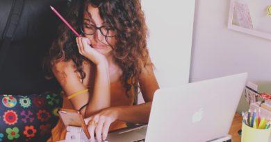 Sabrina al computer_DA e ZA che cosa sono