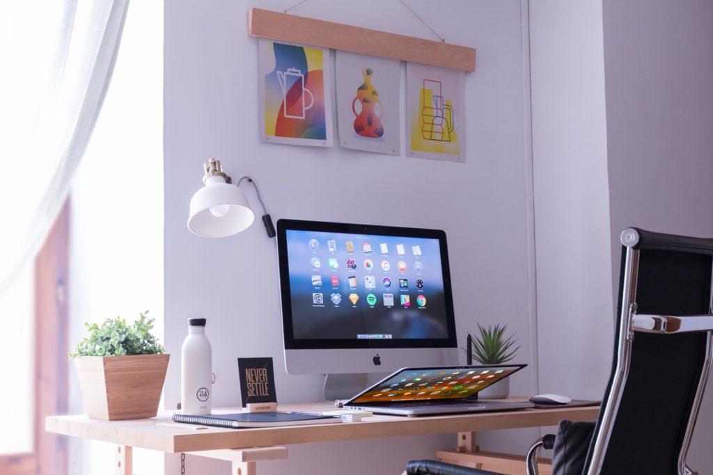 casa di un freelance_consigli_domenico-loia-589074-unsplash