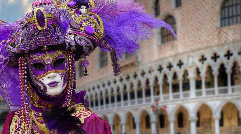come sopravvivere al carnevale di venezia_mangiare, dormire, feste