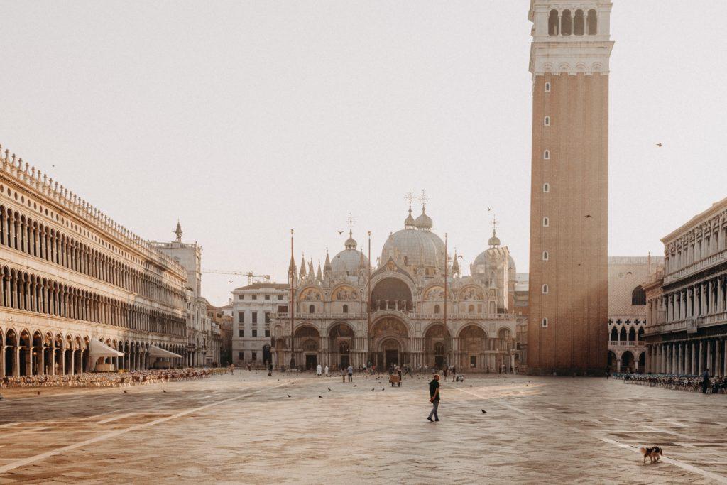 piazza san marco venezia. ph. Dmitry Sovyak, unsplash