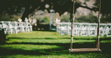 wedding in the uk_ben-rosett-12807-unsplash