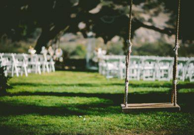 wedding in the uk_ben-rosett-12807-unsplash