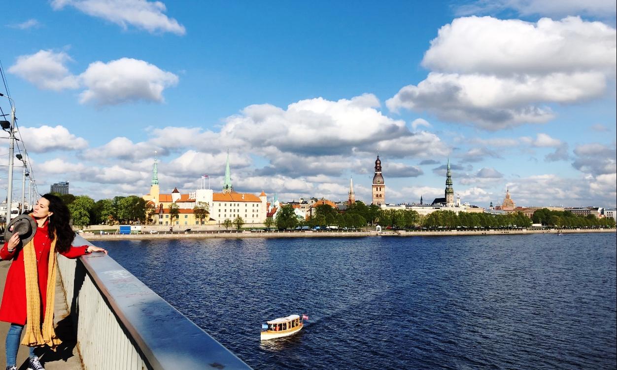 Riga Lettonia, Sabrina sul ponte