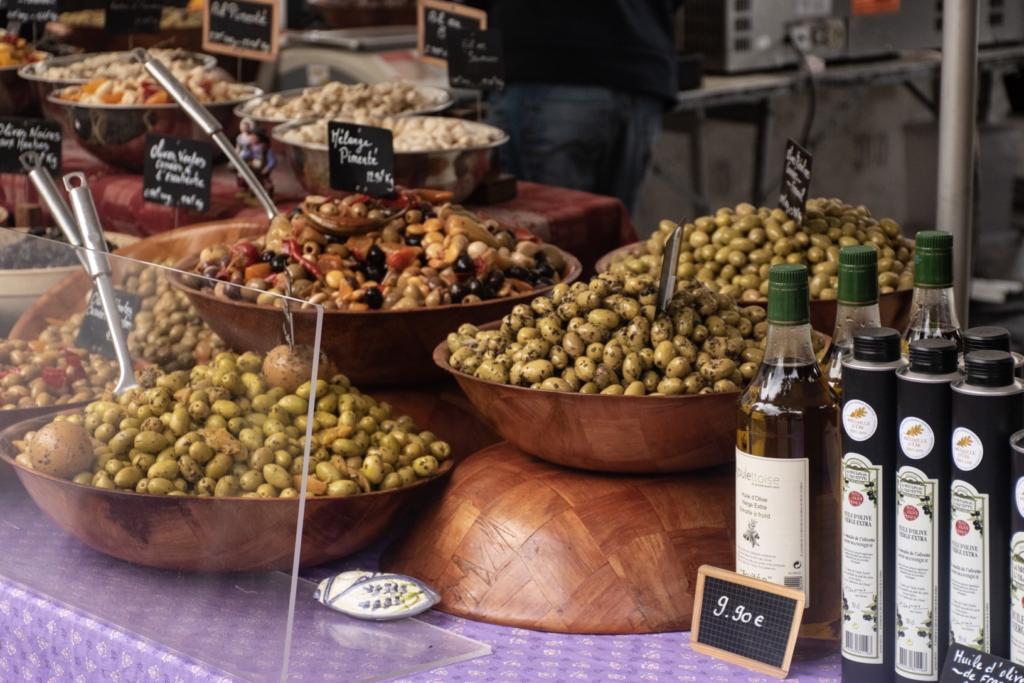olive speziate nei mercatini in provenza