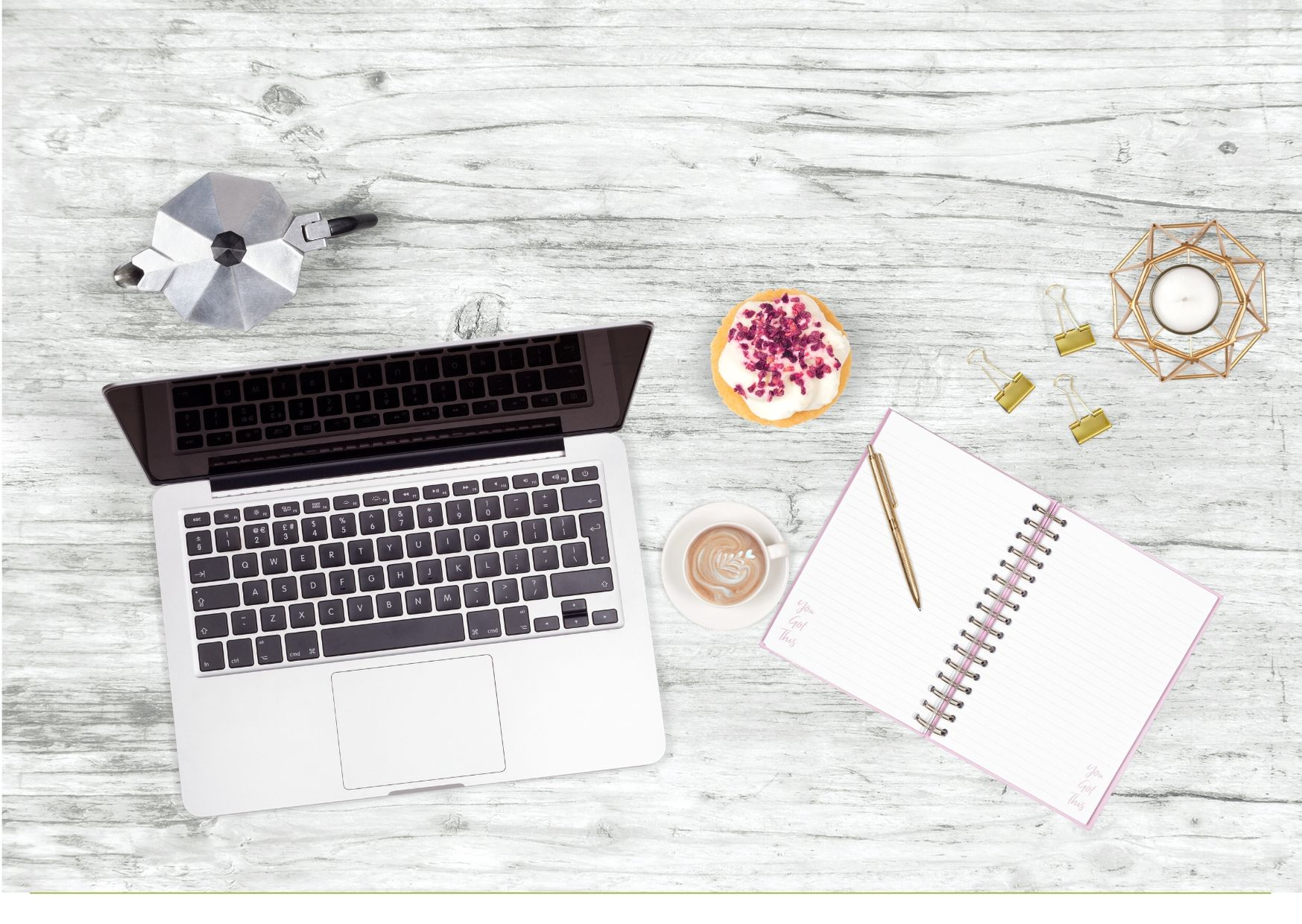 5 tips to create amazing flat-lays for your blog posts and social networks