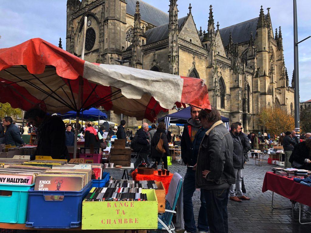 mercatini di bordeaux_Place Maynard mercato domenicale pulci