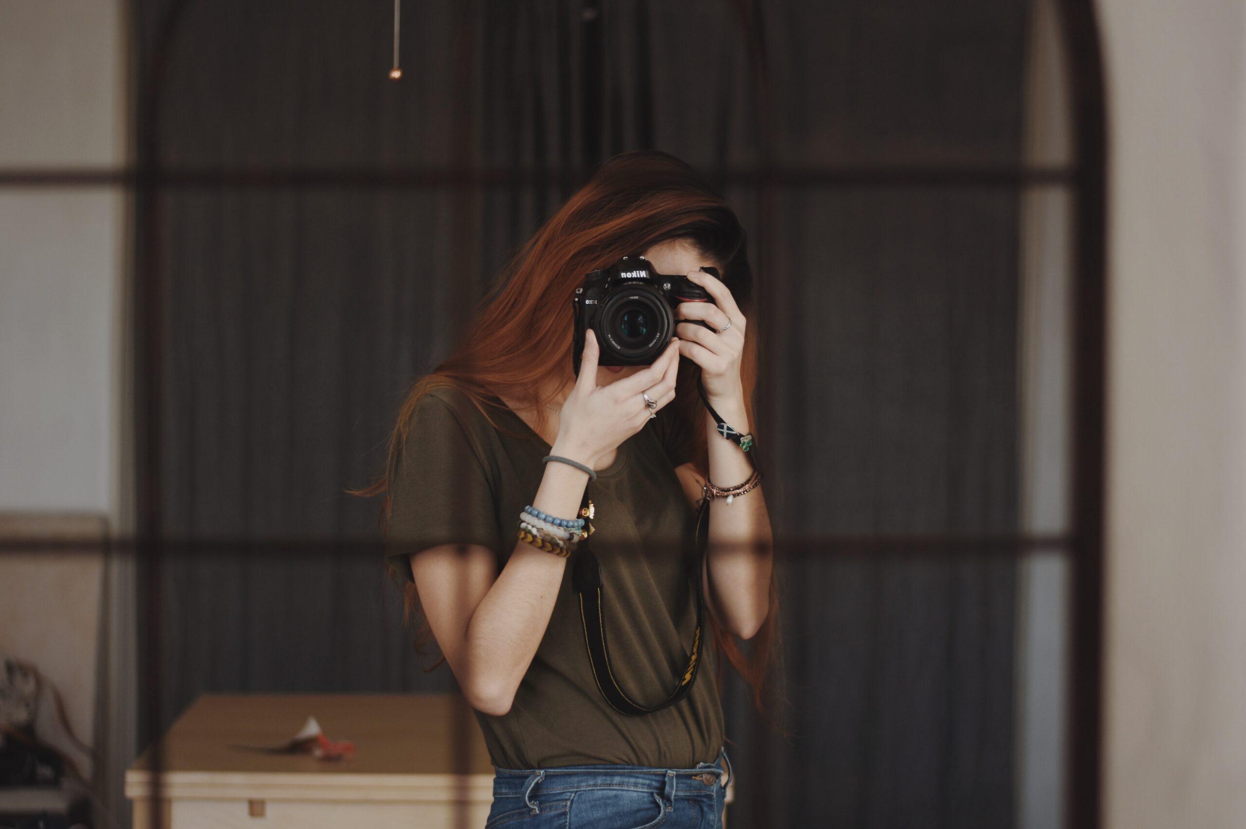 Come farsi foto con lo smartphone in viaggio: guida per i tuoi autoritratti