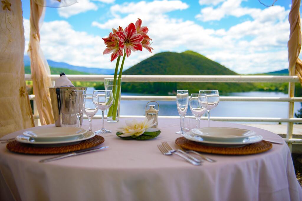 Vista hotel del lago piediluco