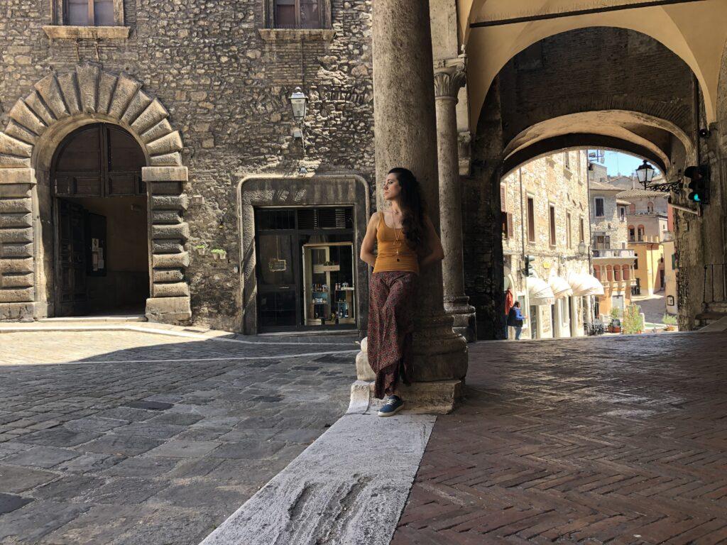 narni cosa vedere - porticato del centro storico