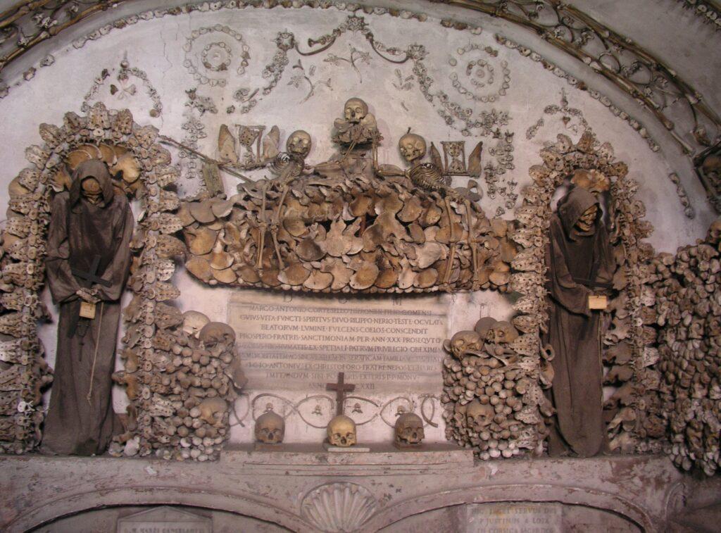 Luoghi strani a Roma - cripta cappuccini