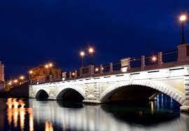 ponte di pietra porta napoli taranto