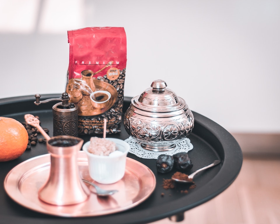 caffè bosniaco tradzionale - abdurahman-iseiniunsplash